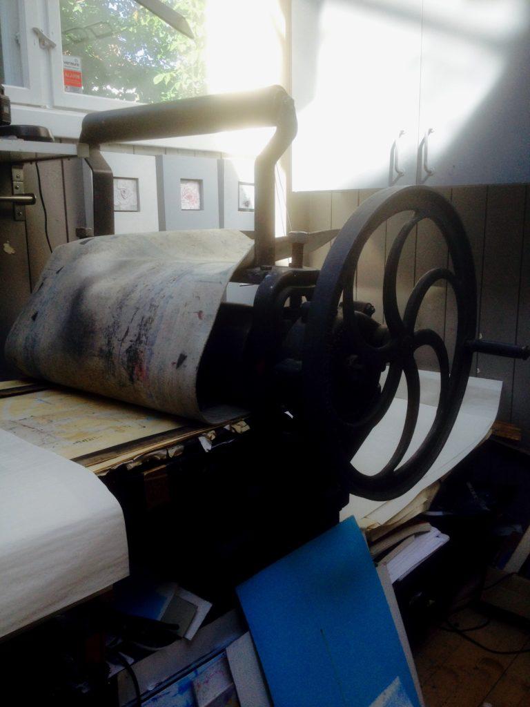 hand driven press